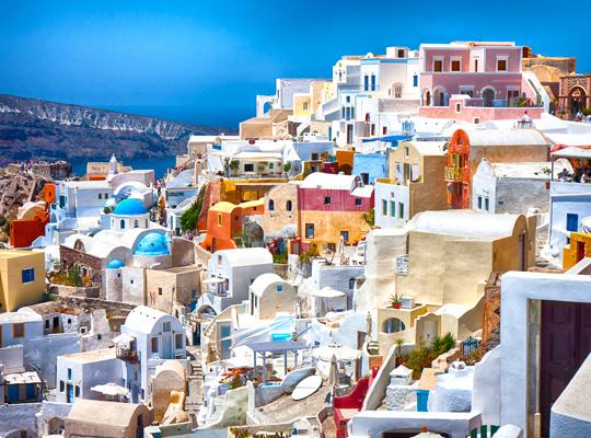 Breathtaking Oia, a wonderful palette in the Aegean Sea